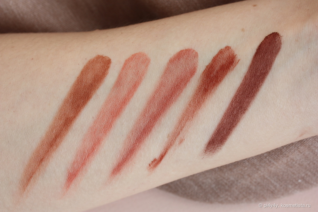Матовые оттенки, слева направо: Tan Matte (1), Warm Coral Matte (4), Terracotta Matte (8), Chestnut Brown Matte (3) и Dark Brown Matte (6)