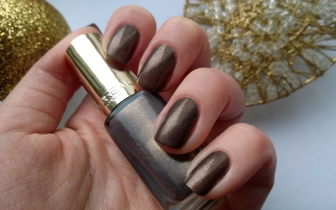 L'oreal Color Riche Long-Wearing Nail Polish 805. Mysterious Icon